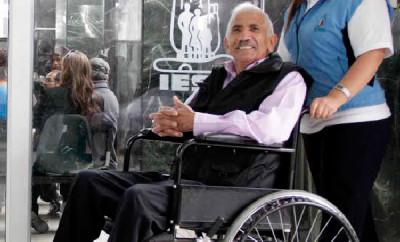 Centro de atención ambulatoria del IESS iniciará calificación a personas con discapacidad
