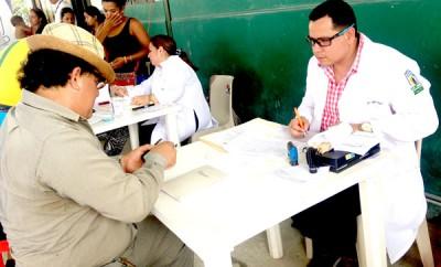 Brigada médica del IESS atendió con especialistas en el Dispensario del Seguro Social Campesino