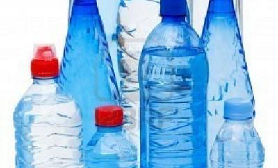 Cómo embotellar agua para donaciones