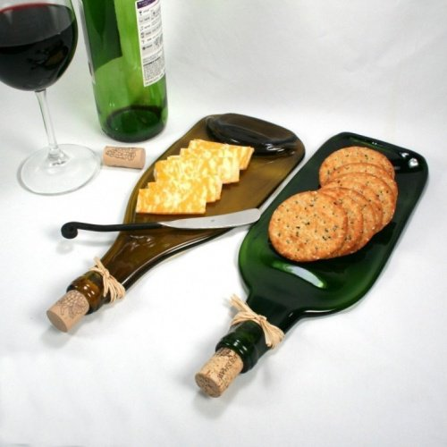 Tabla para snacks de una botella de vidrio