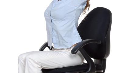 Ejercicios que se pueden hacer sentada en nuestra silla de trabajo