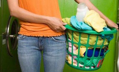 Cómo preparar un suavizante de ropa casero