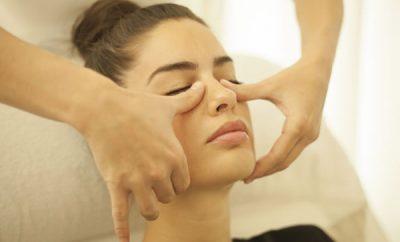Cómo hacer masaje linfático facial