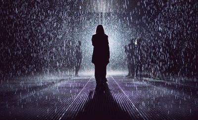 Soñar caminar bajo la lluvia