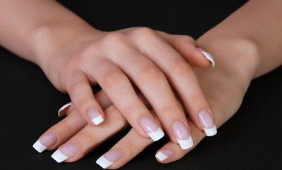 Cómo quitar las uñas acrilicas