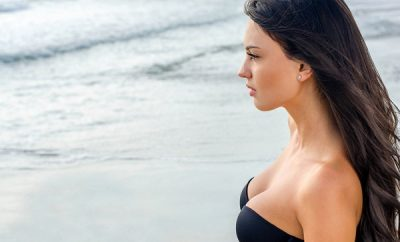 habitos que hacen que los senos se caigan